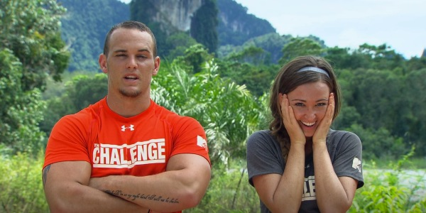 Who did tori deal hook up with on the challenge